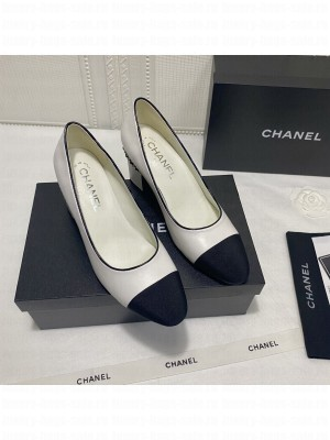 Chanel G37164 Laminated Lambskin Chain Pumps 6cm White 2021 Collection