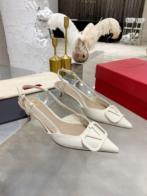 VALENTINO VLOGO SIGNATURE PATENT LEATHER SLINGBACK PUMP 40MM White 2021 Collection