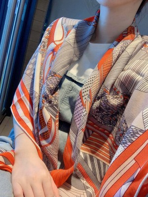 Hermes Shawl in cashmere and silk 140 x 140cm 2021 H052