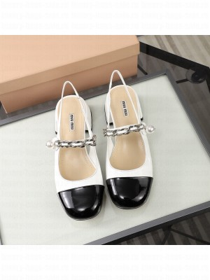 MIU MIU LEATHER Slingback Strap with chain and button 40 mm heel White/Black