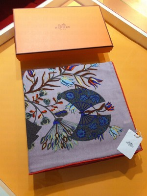 Hermes Shawl in cashmere and silk 140 x 140cm 2021 H054