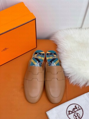 """Hermes Catena mule Brown goatskin """"H"""" cut-out 2021 Collection"""