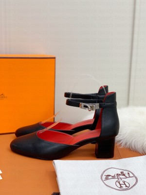 Hermes Kelly Black Leather 4.5cm Pumps 2021 Collection