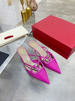 VALENTINO VLOGO SIGNATURE PATENT LEATHER MULE SANDALS 40MM PINK 2021 Collection