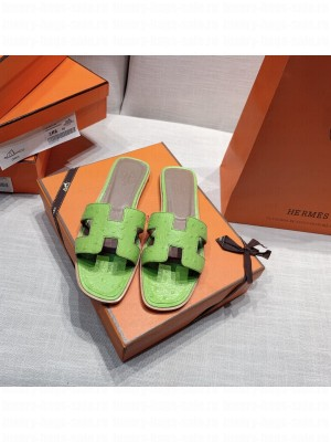 Hermes Oran Flat slippers with Ostrich Leather 083 2021 Collection