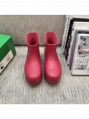 Bottega Veneta PUDDLE Biodegradable rubber Red ankle boots 2021 Collection
