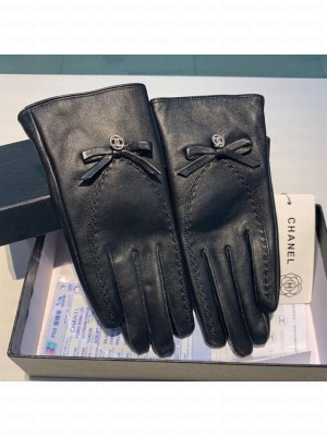Chanel Lambskin Cashmere Crystal CC Bow Gloves 48 2019 Collection