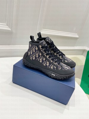 Chrisian Dior Unisex B28 HIGH-TOP SNEAKER Beige and Black Dior Oblique Jacquard and Black Rubber 2021 Collection