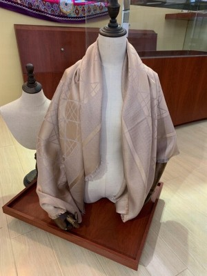 Christian Dior Canage Shawl Scarf 140cm Fall/Winter 2020 Collection, Beige