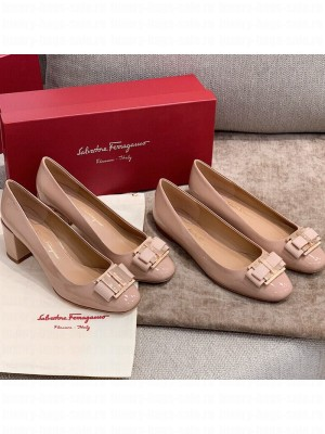 Salvatore Ferragamo Patent Leather Bow Flat Ballerinas/Pumps Nude Spring/Summer 2021 Collection