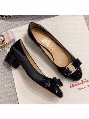 Salvatore Ferragamo Patent Leather Bow Pumps Black/Gold Spring/Summer 2021 Collection