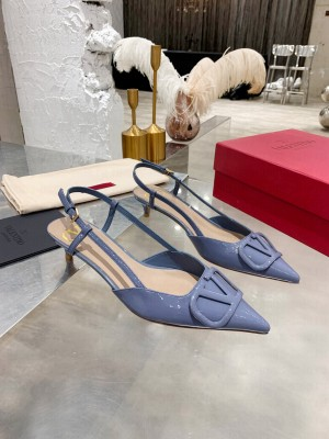VALENTINO VLOGO SIGNATURE PATENT LEATHER SLINGBACK PUMP 40MM BLUE 2021 Collection