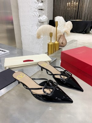 VALENTINO VLOGO SIGNATURE PATENT LEATHER MULE SANDALS 40MM BLACK 2021 Collection