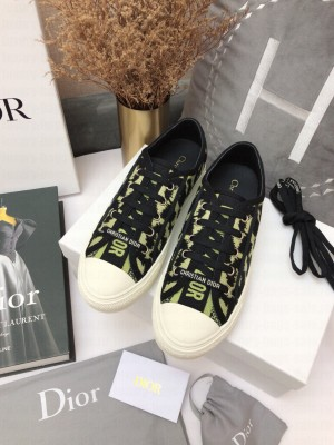 DIOR Unisex WALK'N'DIOR SNEAKER Green Embroidered Cotton 2021 Collection