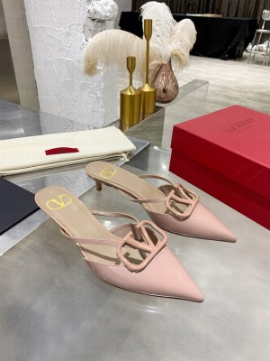 VALENTINO VLOGO SIGNATURE PATENT LEATHER MULE SANDALS 40MM NUDE 2021 Collection