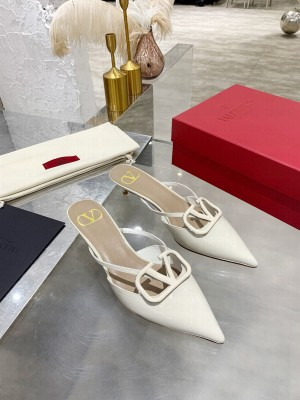 VALENTINO VLOGO SIGNATURE PATENT LEATHER MULE SANDALS 40MM WHITE 2021 Collection