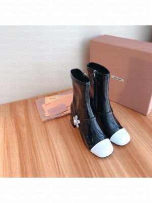MIU MIU PATENT LEATHER ANKLE BOOTS 65 mm heel Black/White 03