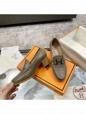 """Hermes High heel loafer signature """"H"""" Oil Green 2021 Collection"""