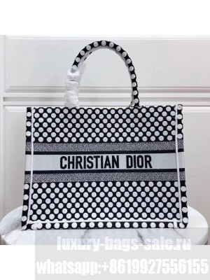Christian Dior Book Tote Bag 35cm Polka Dot Embroidered Canvas  Fall/Winter 2020 Collection, Black/White