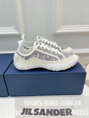 Chrisian Dior Unisex B28 LOW-TOP SNEAKER Gray and white Dior Oblique Jacquard and White Rubber 2021 Collection