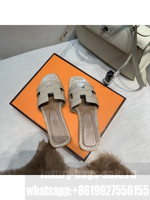 Hermes Oran Flat slippers with Stone pattern Nude 077 2021 Collection