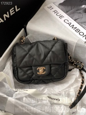 Chanel Bubble Flap Bag 18cm Calfskin Leather Gold Hardware Fall/Winter 2020 Collection, Black