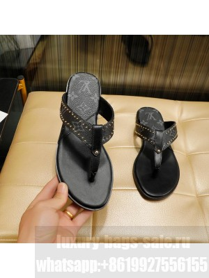 Louis Vuitton Unisex Flat Thong embellished with studs black 2021 Collection