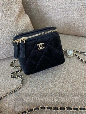 Chanel Mini Vanity Case Bag with Charm Chain 12cm Velvet/Lambskin Leather Gold Hardware Fall/Winter 2020 Collection, Black