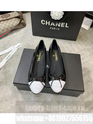 Chanel Ballerina Flats Patent Leather Spring/Summer 2021 Collection,Light Black/White
