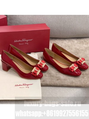 Salvatore Ferragamo Patent Leather Bow Flat Ballerinas/Pumps Red Spring/Summer 2021 Collection